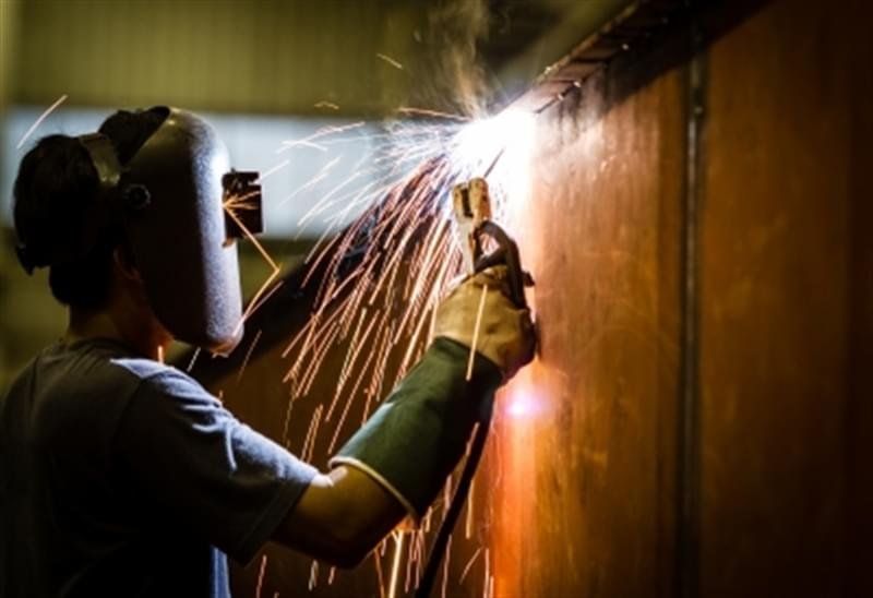 How to select the correct metal welding process, MIG or TIG?